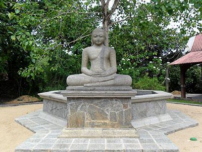 bhudda statue sri lanka
